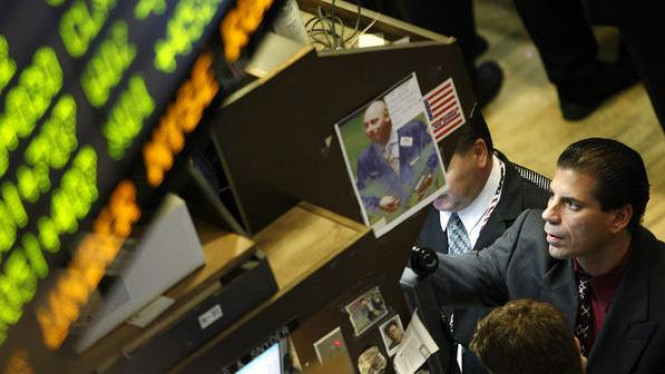 Pialang pantau saham Merrill Lynch