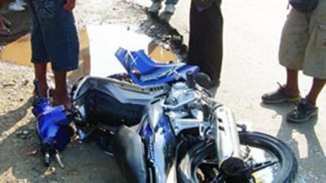Ilustrasi motor hancur berantakan.