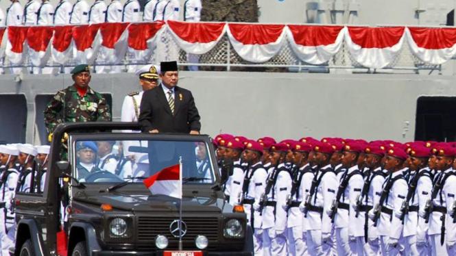 Presiden Periksa Pasukan TNI
