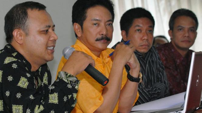 Dodi Ambardi (LSI), Rully Chairul Azwar, Effendi Ghazali, & Ganjar Pranowo