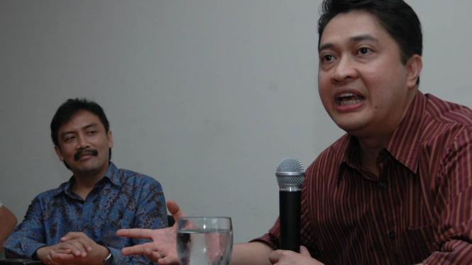 Jeffrie Geovanie berbicara dalam diskusi bersama Andi Mallarangeng