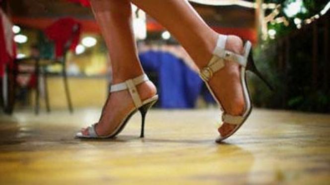 seksi high heels