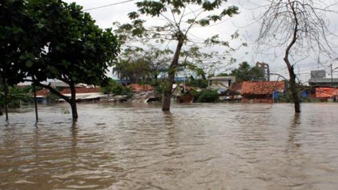 Sungai meluap akibat banjir