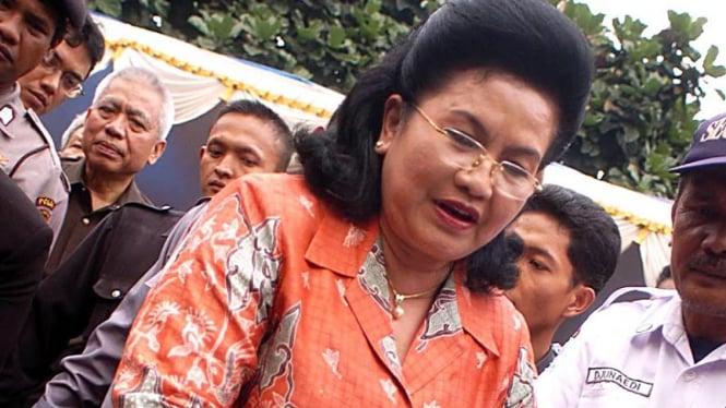 Menkes Siti Fadillah Supari