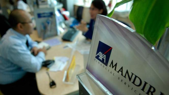 Layanan nasabah di asuransi AXA Mandiri.