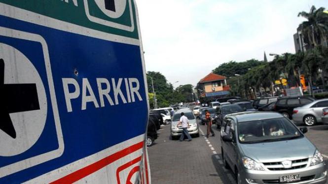 Lokasi parkir di salah satu wilayah Jakarta. Foto ilustrasi.