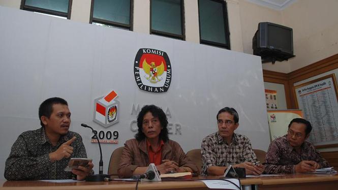 Diskusi Politik di KPU
