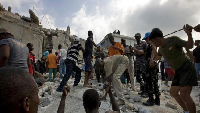 Sekolah Roboh di Haiti