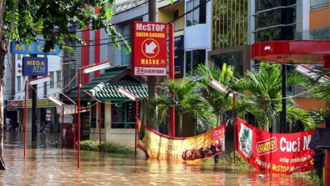 Banjir di kawasan Kebon Jeruk Jakarta Barat tahun 2007
