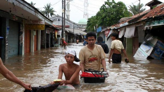 Banjir di Semanan Jakarta Barat pada tahun 2007