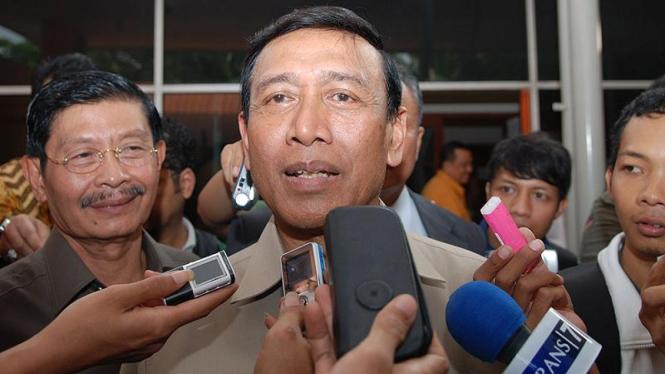 Menteri Koordinator Bidang Politik, Hukum, dan Keamanan, Wiranto.