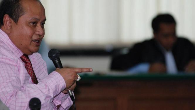 Ketua Komisi Keuangan DPR Emir Moeis.