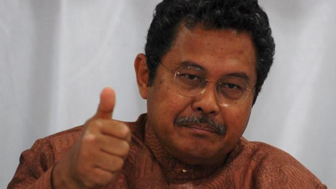 Bekas Menteri Perindustrian Fahmi Idris.