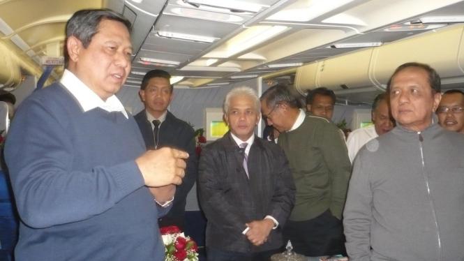 Presiden Yudhoyono dalam pesawat menuju AS