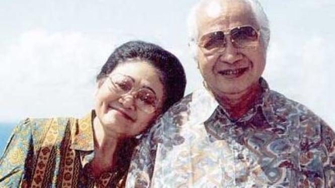 Kenangan Soeharto dan Ibu Tien