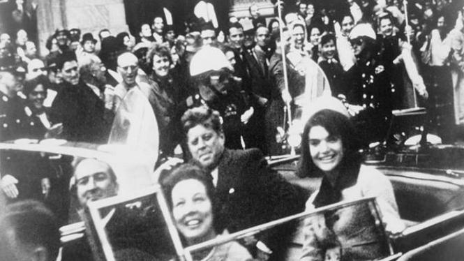 John F Kennedy Sesaat Sebelum Ditembak di Dallas Texas