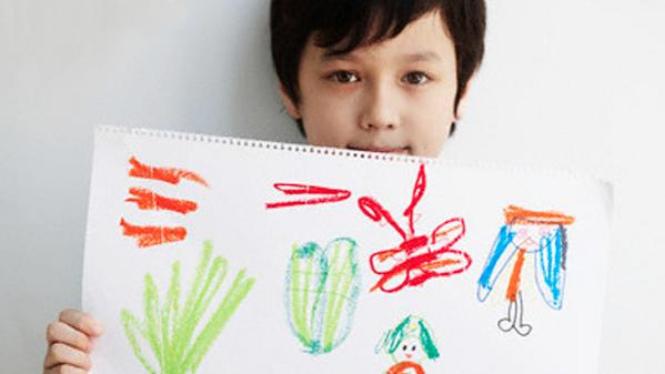 Anak menggambar