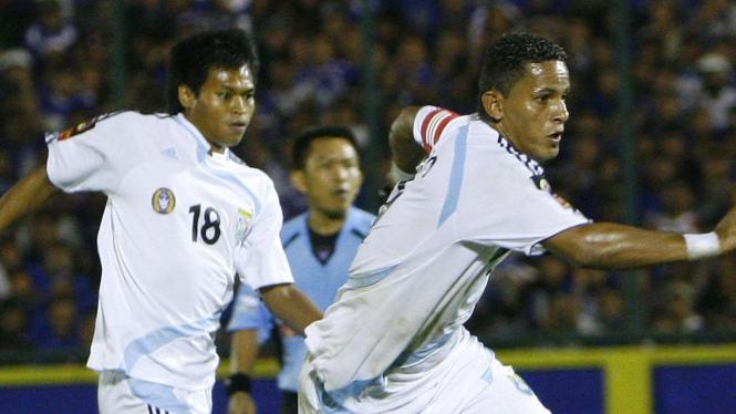 Marcio Souza (nomor 10)