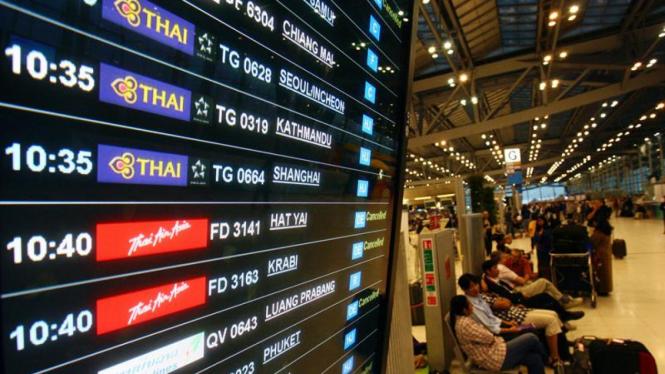 Menunggu di Bandara Suvarnabhumi