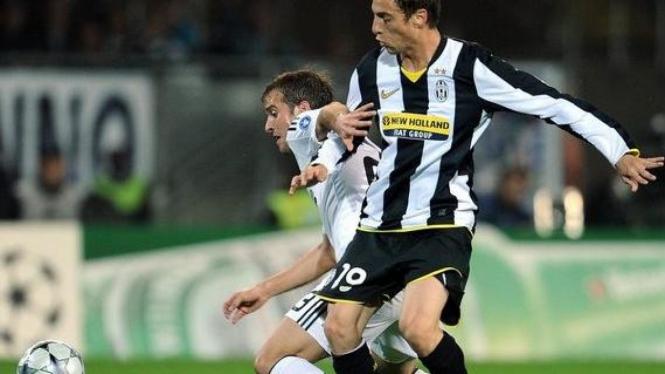 Claudio Marchisio (kanan)