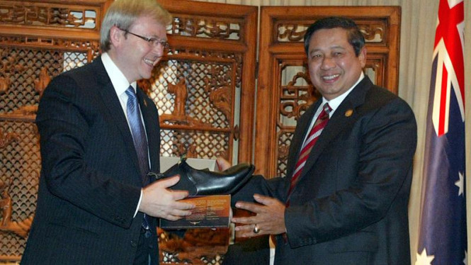 Kevin Ruud dan Presiden Susilo Bambang Yudhoyono di Bali Democracy Forum.