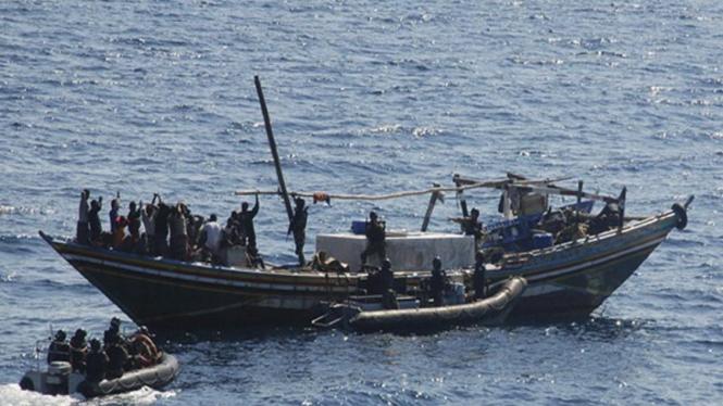 Pasukan India menyerbu kapal perompak Somalia, 13 Desember 2008