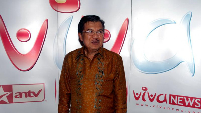 Wakil Presiden Jusuf Kalla saat tiba di peluncuran Vivanews.com.