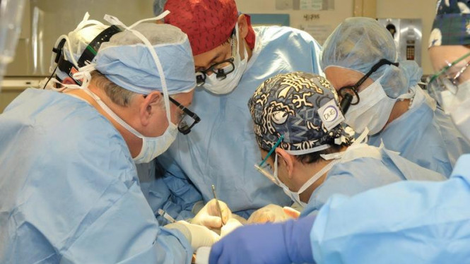 Operasi Transplantasi Wajah di Klinik Cleveland