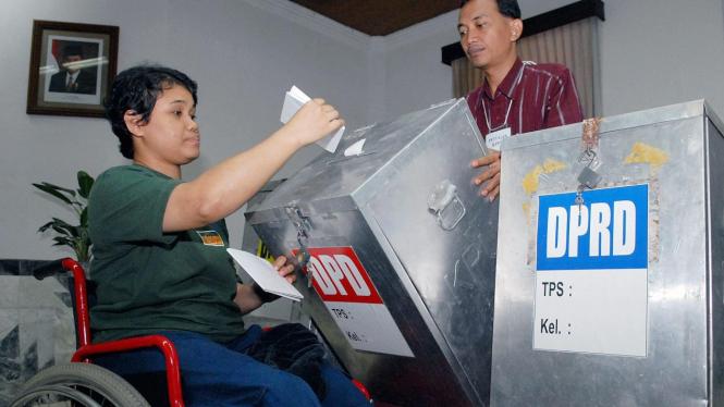 Simulasi Pemilu untuk penyandang cacat di Jakarta