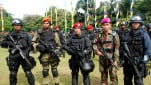 https://thumb.viva.co.id/media/frontend/thumbs3/2008/12/19/61351_pasukan_gabungan_anti_teror_polri_dan_tni_151_85.jpg