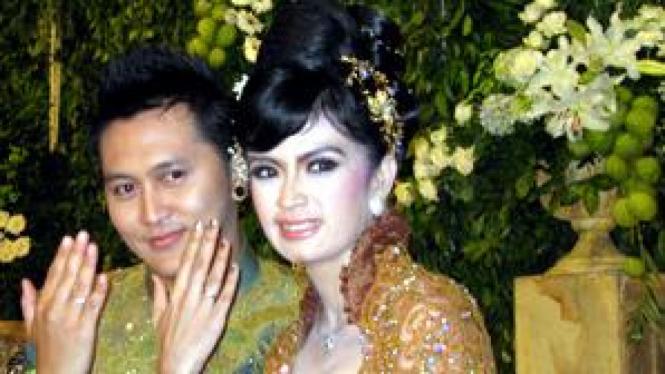 Demian & Yulia Rahman