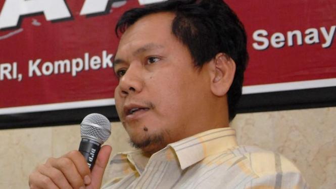 Indra J Piliang