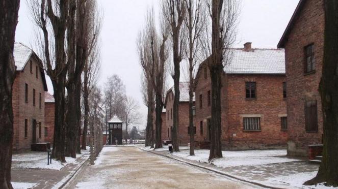 Blok Bangunan Kamp Konsentrasi Auschwitz di Polandia.