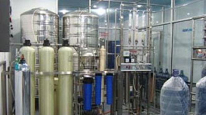 Mesin sterilisasi air isi ulang
