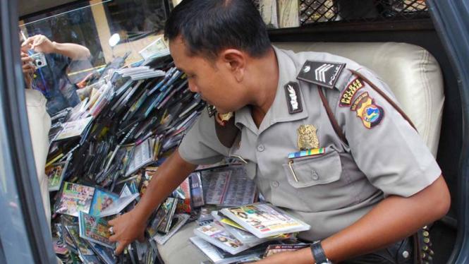 VCD dan DVD Bajakan