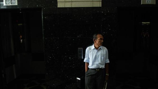 Lift yang mati di Gedung Menara Kebon Sirih