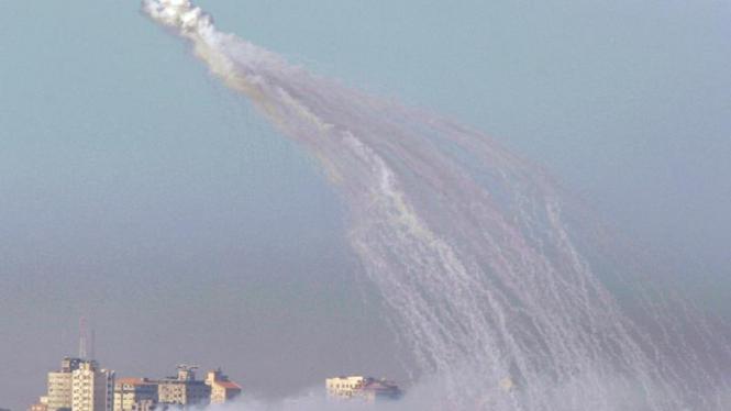 Asap di langit Gaza