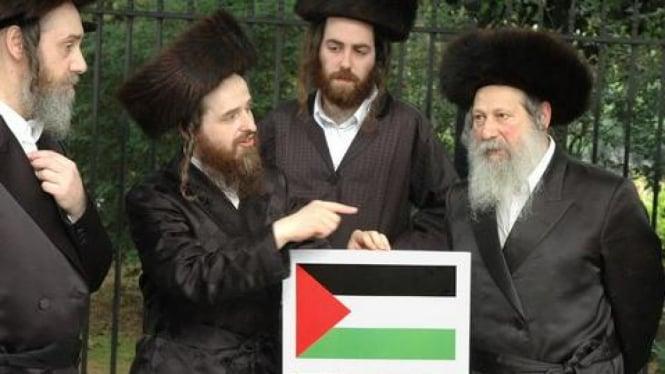 Rabbi Yahudi memprotes pendudukan Israel