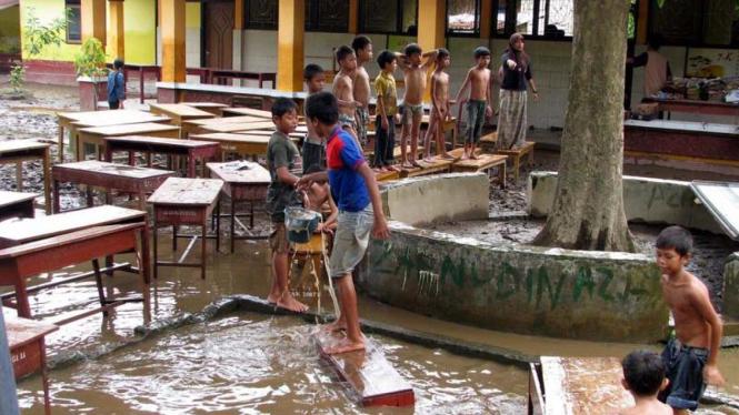 Banjir di Lombok Barat