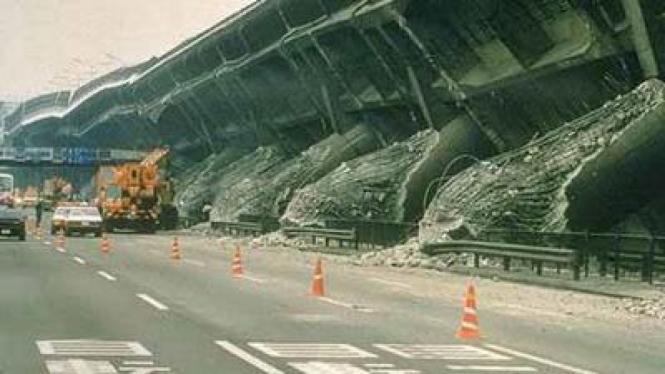 Akibat Gempa Bumi di Kobe, Jepang 17 Januari 1995