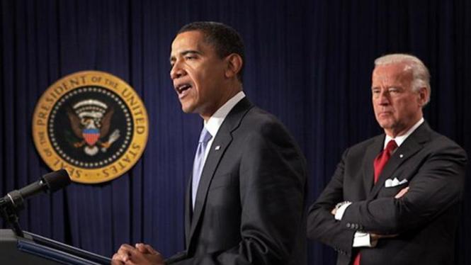 Presiden Barack Obama dan Wapres Joe Biden memberikan arahan di Gedung Putih