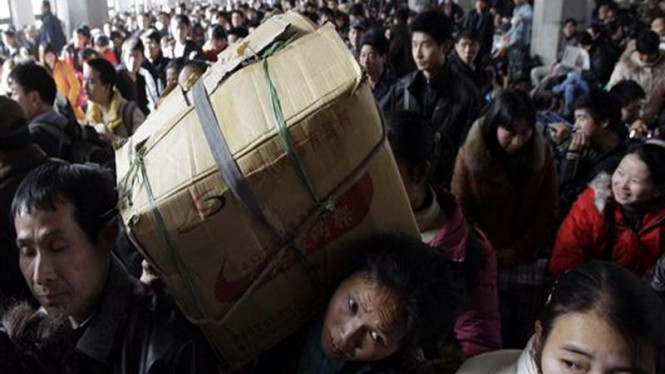 Warga China di Beijing berduyun-duyun pulang kampung jelang Imlek