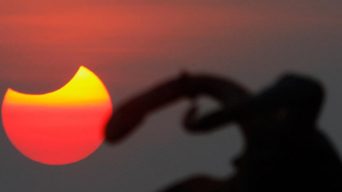Gerhana matahari di Kamboja