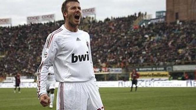Ekspresi David Beckham usai mencetak gol perdana di Milan