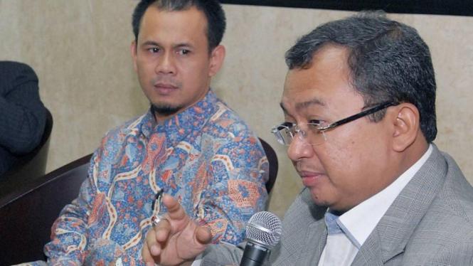Politisi Golkar, Priyo Budi Santoso dan Ketua Fraksi PKS Mahfudz Siddiq
