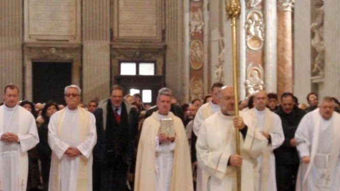 Prosesi di Dalam Gereja Vatikan