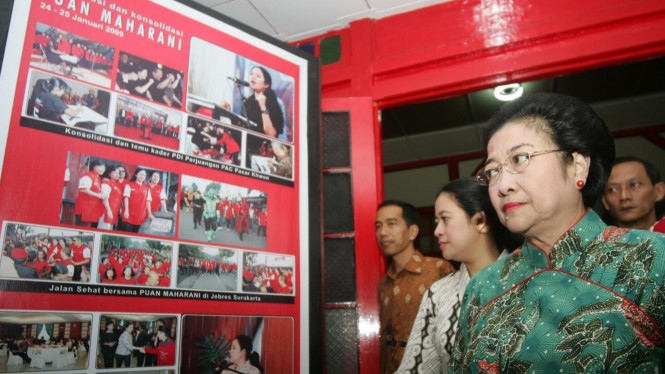 Megawati Soekarnoputri tinjau Posko Puan Maharani