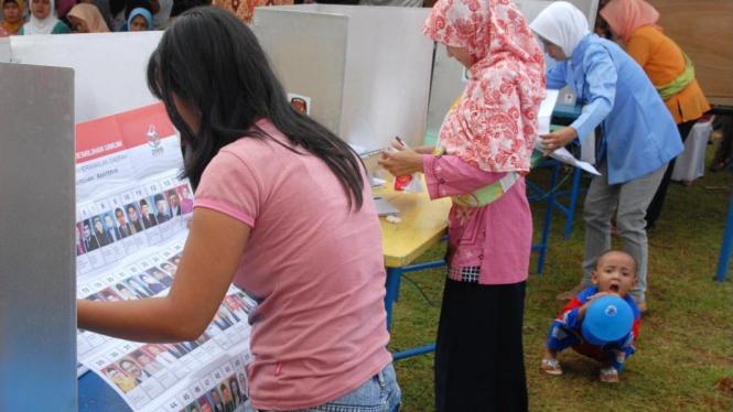 Simulasi Pemilu di TPS 04, Kelurahan Kadu Agung, Tigaraksa, Tangerang