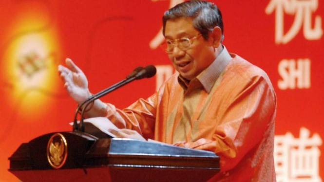 Presiden Yudhoyono memberi sambutan dalam perayaan Imlek