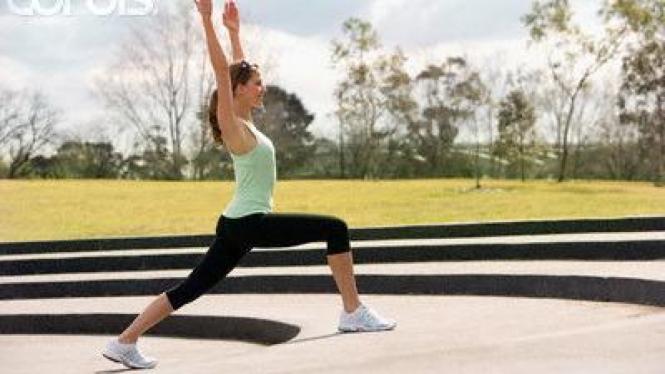 Gerakan Yoga Bulan Sabit